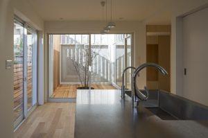 「人口減少社会における建築家の役割を考える」